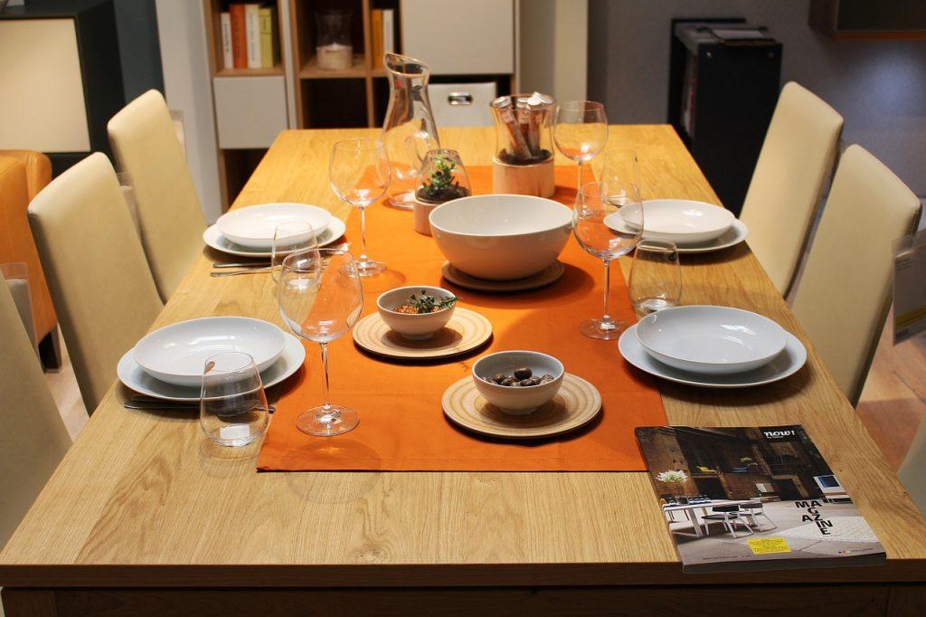 Stół do jadalni na lata